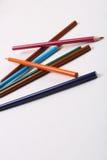 在白色哼声的颜色铅笔 免版税库存照片