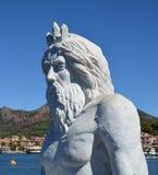 在白色大理石的雕象在波尔托阿祖罗,在厄尔巴岛海岛,意大利 图库摄影