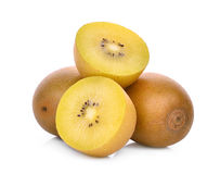 在白色或金猕猴桃隔绝的整体和一半黄色 免版税库存图片