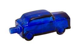 在白色查出的减速火箭的玻璃酒精瓶汽车 免版税库存图片