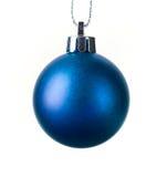 在白色查出的圣诞节球 库存照片