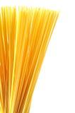 在白色查出的意粉意大利意大利面食 免版税库存照片