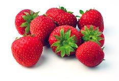 在白色查出的新鲜的草莓 免版税库存图片