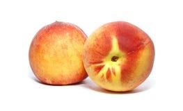 在白色查出的桃子 免版税库存图片