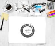 在白色桌上的工作地点元素顶视图  库存照片