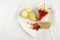 在白色桌上的感恩饼与拷贝空间 库存照片