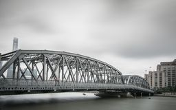在白色桥梁之外的上海 图库摄影