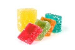 在白色的五颜六色的果冻糖果 库存图片