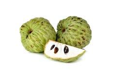 在白色的南美番荔枝果子 免版税库存照片