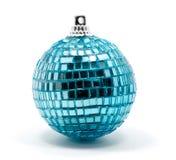 在白色的圣诞节蓝色球 免版税库存图片