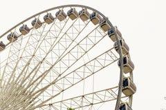 在白色的弗累斯大转轮 免版税图库摄影