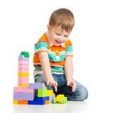 在白色的愉快的孩子男孩作用 免版税库存图片