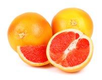 在白色的成熟葡萄柚 库存照片