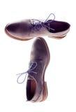 在白色的男性棕色皮鞋孤立 免版税图库摄影