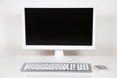 在白色的背景计算机显示器查出的监控程序 免版税库存图片
