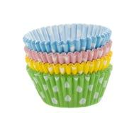 在白色的色的杯形蛋糕烘烤纸张盒 免版税库存图片