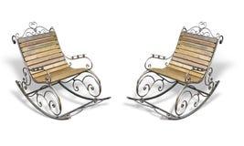 在白色的葡萄酒金属木伪造的摇椅 免版税库存图片