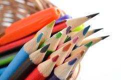 在白色的颜色铅笔 免版税库存图片