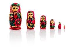 在白色的Matrioshka或babushkas玩偶 库存图片