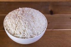 在白色碗关闭的煮沸的米  图库摄影