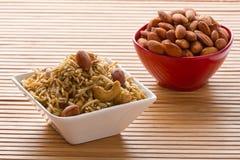在白色碗的印地安快餐。 免版税图库摄影
