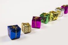 在白色背景下的几个礼物盒 免版税库存图片