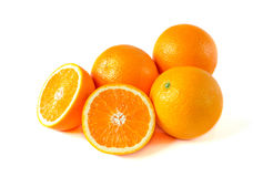 在白色背景与一半的橙色果子隔绝的 库存图片