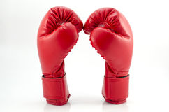在白色背景关闭的拳击手套 免版税库存图片
