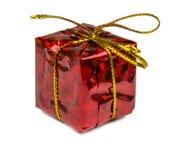 在白色背景和玩具隔绝的圣诞节礼物 免版税图库摄影