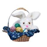 在白色背景和鸡蛋隔绝的复活节兔子 库存照片