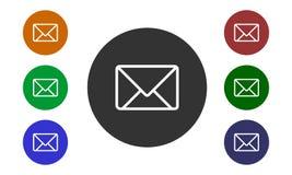 在白色背景在网站和论坛上和在e商店按钮和信封图象隔绝的套五颜六色的圆象邮件 库存照片