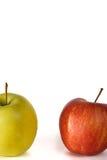 在白色背景的两个被隔绝的苹果 图库摄影