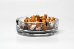 充分的烟灰缸 免版税图库摄影
