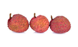 在白色背景的削皮的成熟lychee果子 免版税库存照片
