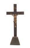 在白色背景的古色古香的木耶稣受难象 免版税图库摄影