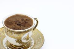 在白色背景的土耳其咖啡 免版税库存照片