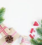 在白色背景的圣诞节框架 免版税库存照片