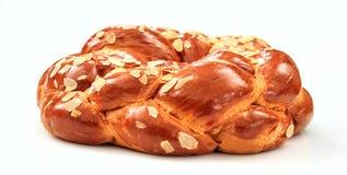 在白色背景的复活节面包 免版税库存图片