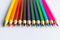 在白色背景的多彩多姿的铅笔 库存照片