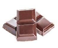 在白色背景的巧克力块 免版税库存图片