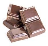 在白色背景的巧克力块 库存图片