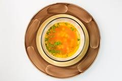 在白色背景的巴法力亚新鲜蔬菜汤 库存照片