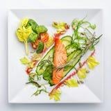 在白色背景的开胃餐馆食物 库存照片