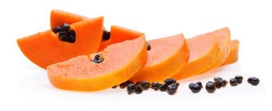 在白色背景的成熟番木瓜果子 免版税库存照片