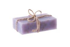 在白色背景的手工制造蓝莓肥皂 免版税库存照片