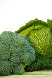 在白色背景的新鲜的有机绿色菜 图库摄影