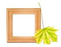 在白色背景的木框架 免版税图库摄影