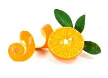 在白色背景的橙色果子 免版税库存图片