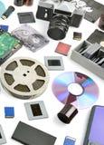 在白色背景的汇集新和老存储介质 免版税图库摄影