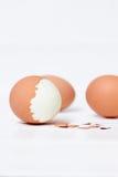 在白色背景的煮沸的鸡蛋 免版税库存照片